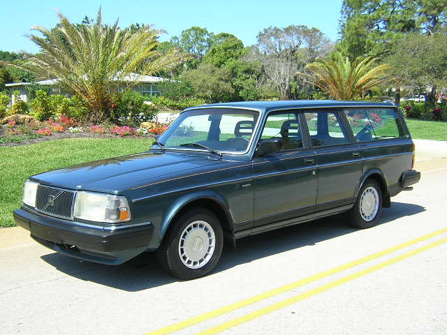 File:1990 volvo 240dl wagon 2.jpg