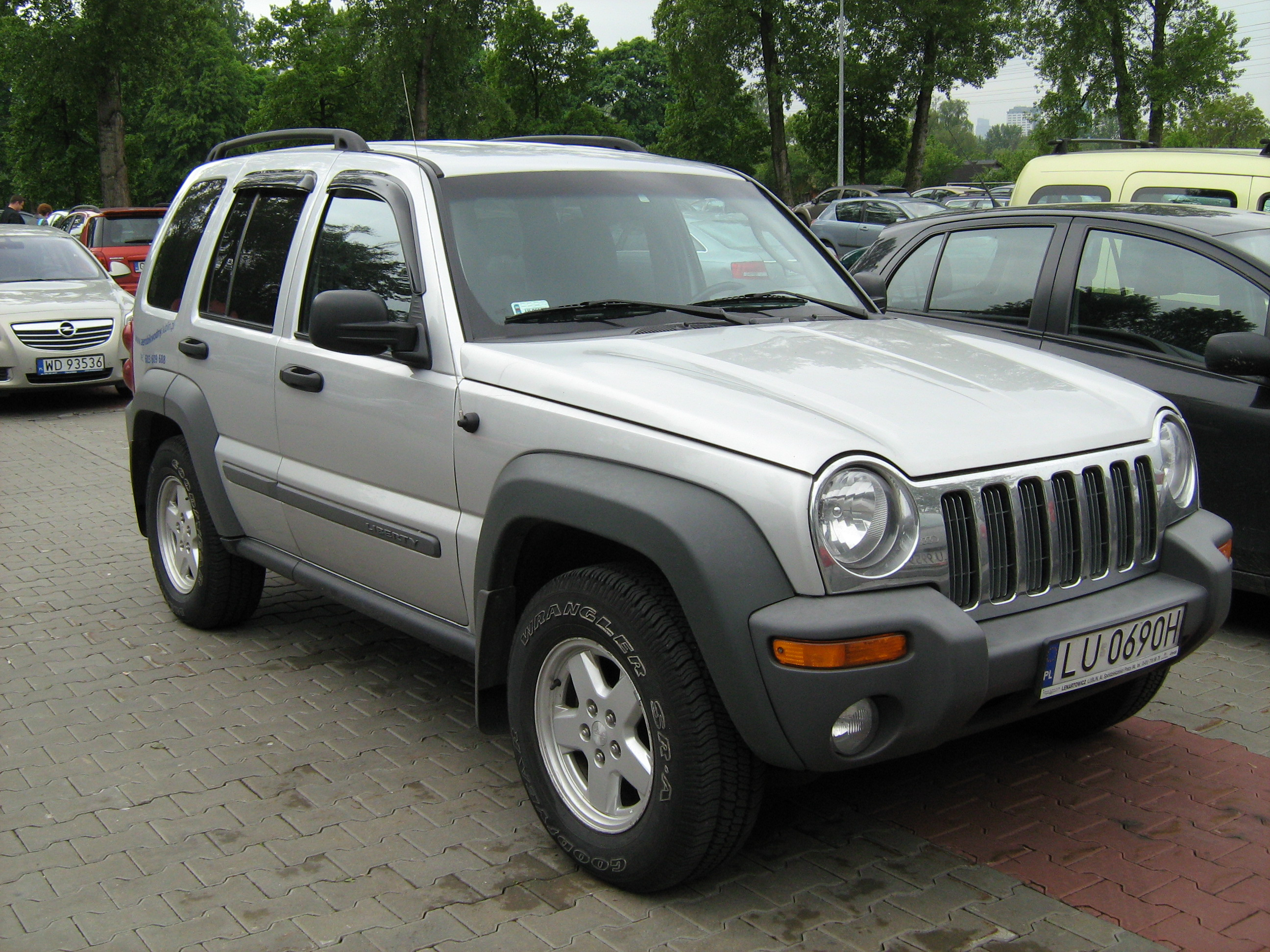 file 2001 2004 jeep liberty silver in poland. Black Bedroom Furniture Sets. Home Design Ideas