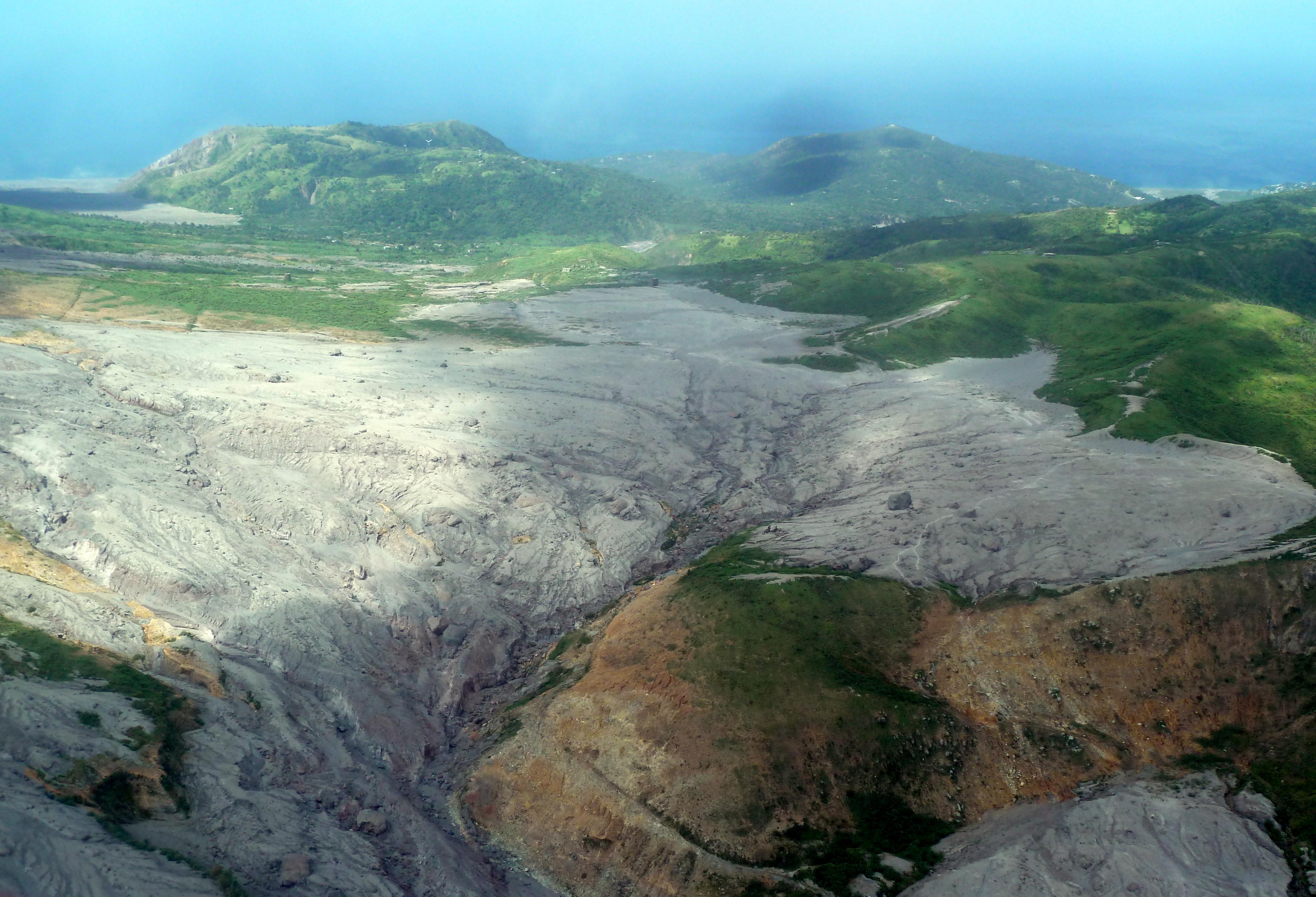 file 2012 03 04 after the volcano eruption lava flows
