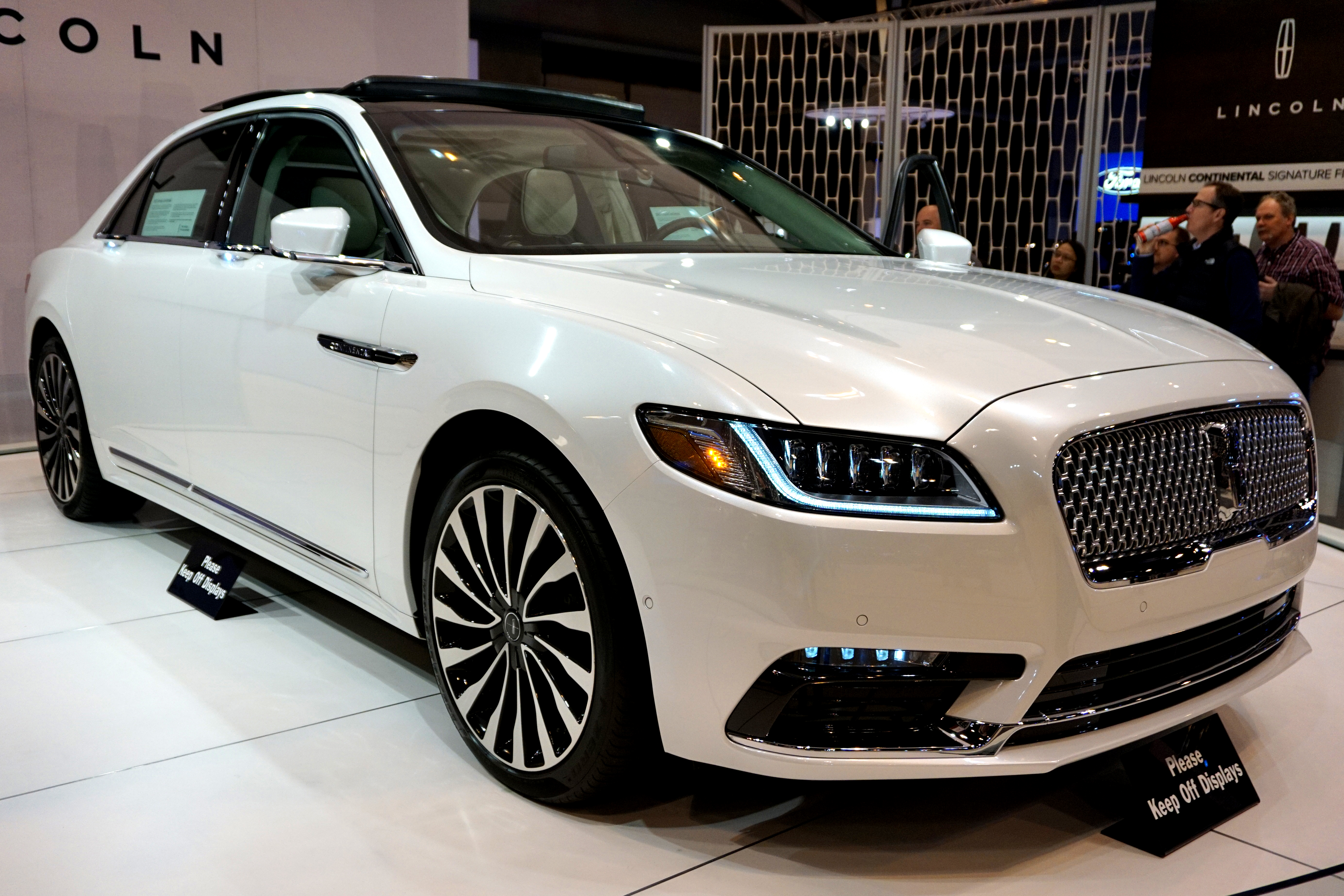 File 2017 Lincoln Continental Jpg Wikimedia Commons