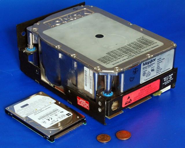 5.25_inch_MFM_hard_disk_drive LaMortaise.com - Ordinateur PC : Bruit=zéro, Chaleur=zéro, Refroidissement au max - Forum LaMortaise.com - La référence en ébénisterie