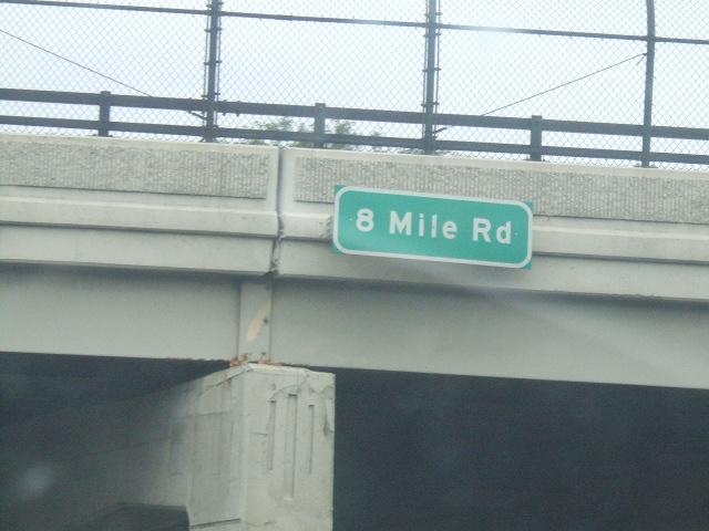 File 8 mile road jpg wikimedia commons