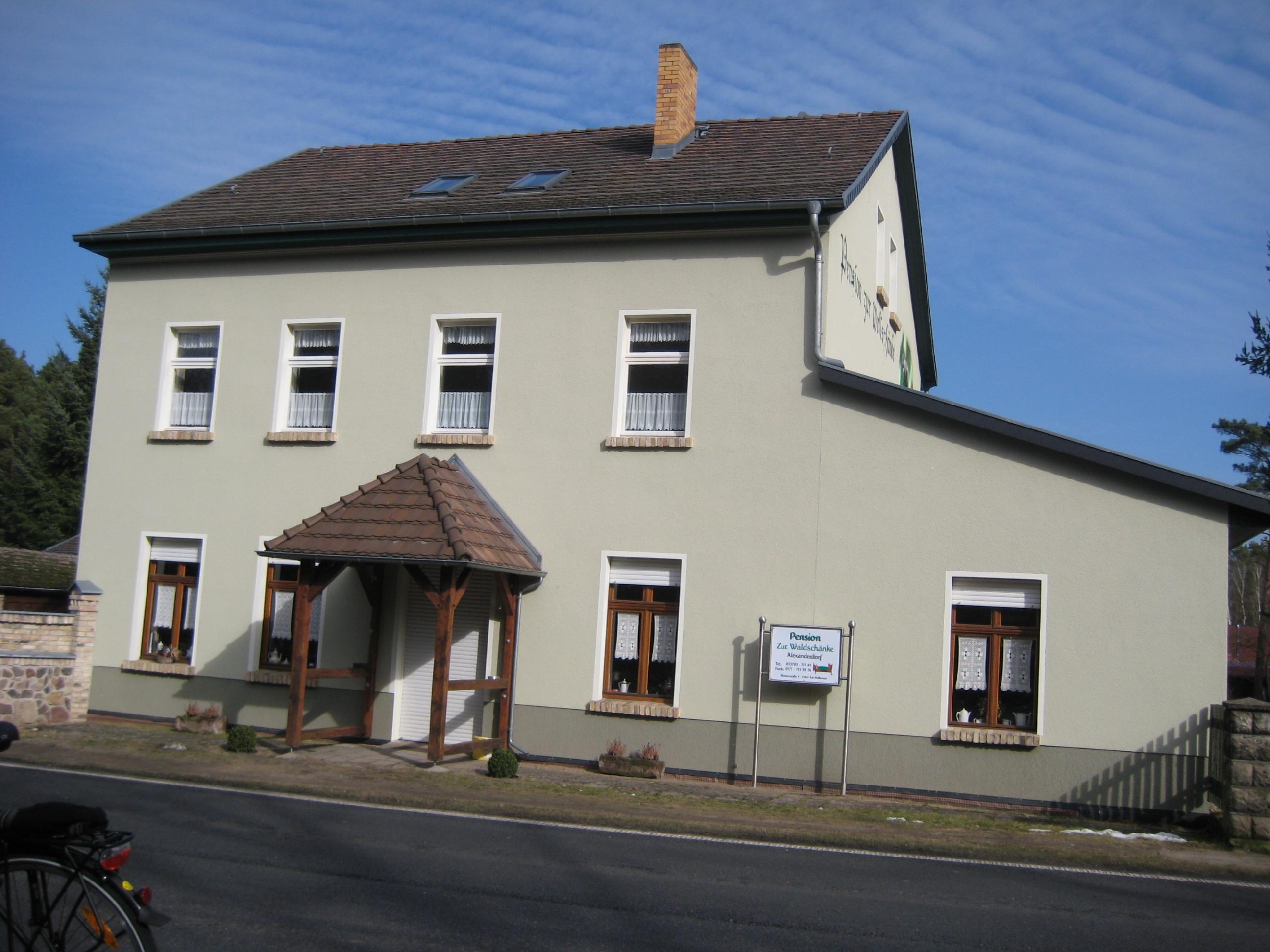 File:Alexanderdorf - Pension Zur Waldschänke - panoramio.jpg ...
