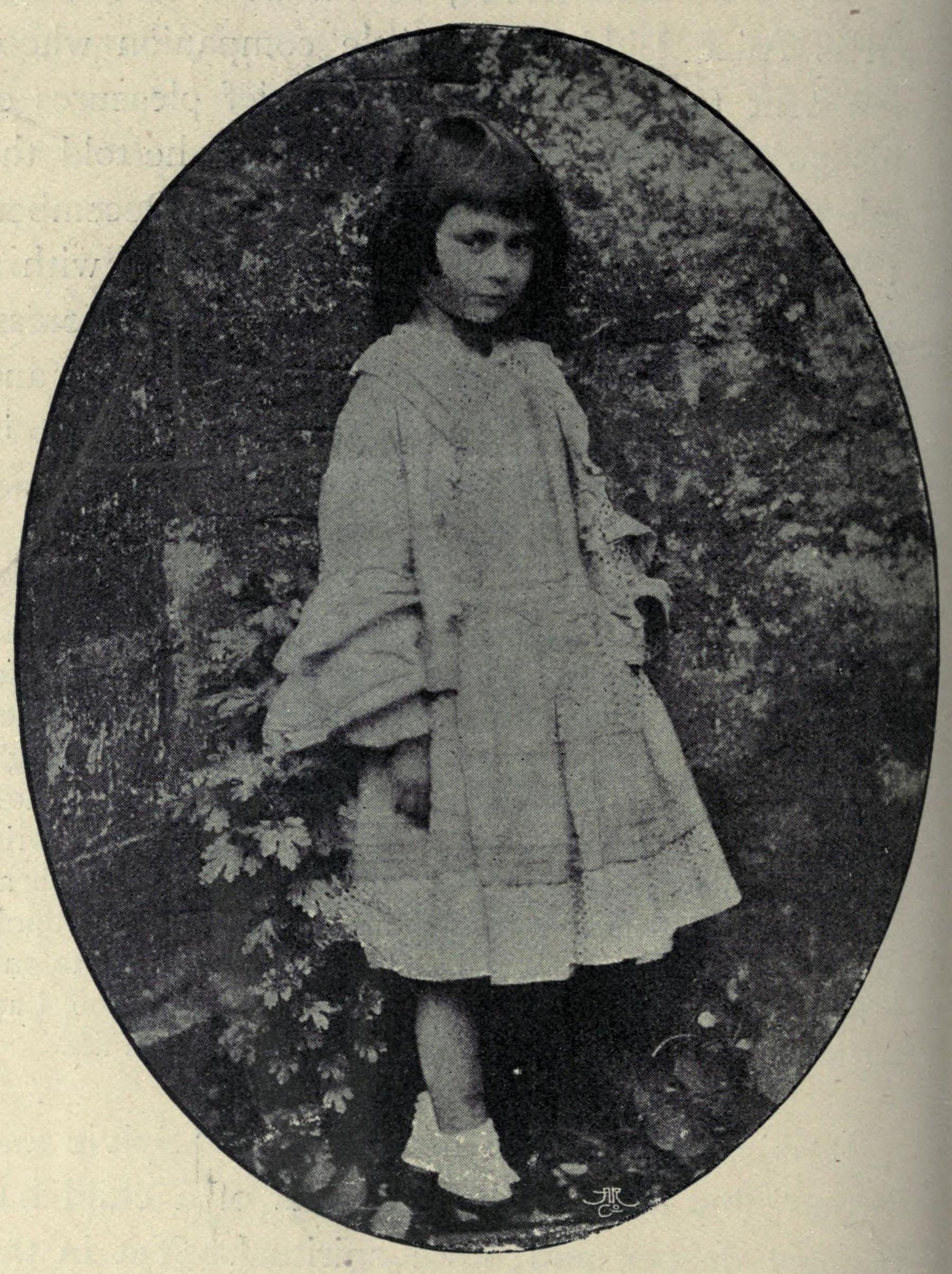 http://upload.wikimedia.org/wikipedia/commons/0/08/Alice_Liddell_by_Lewis_Carroll.jpg