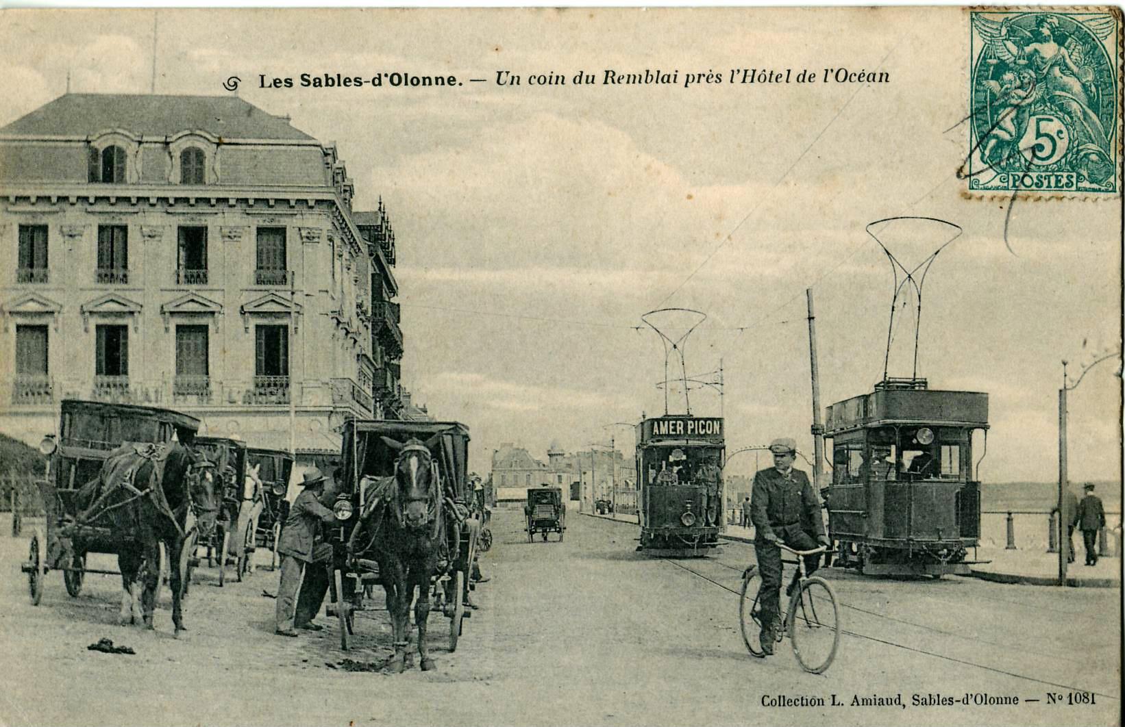 File:Amiaud 1081 - LES SABLES D'OLONNE - Un coin du Remblai près