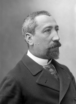 http://upload.wikimedia.org/wikipedia/commons/0/08/Anatole_France_%281889%29.jpg