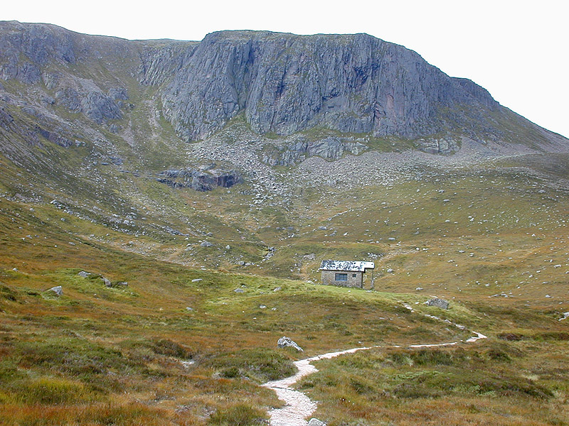 http://upload.wikimedia.org/wikipedia/commons/0/08/Approaching_the_Hutchison_Memorial_Hut_-_geograph.org.uk_-_1764417.jpg