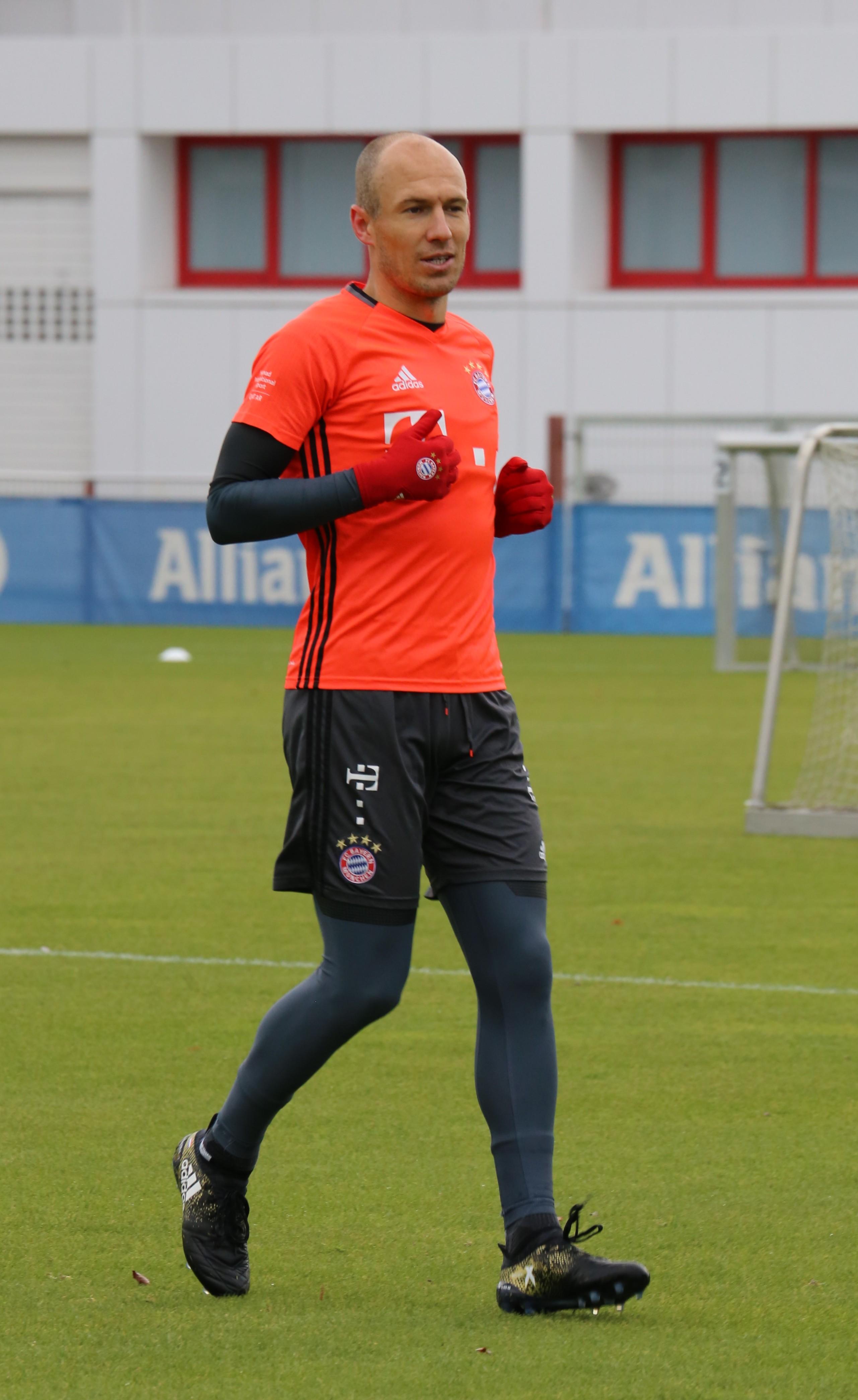 File Arjen Robben Training 2016 11 FC Bayern Muenchen 4