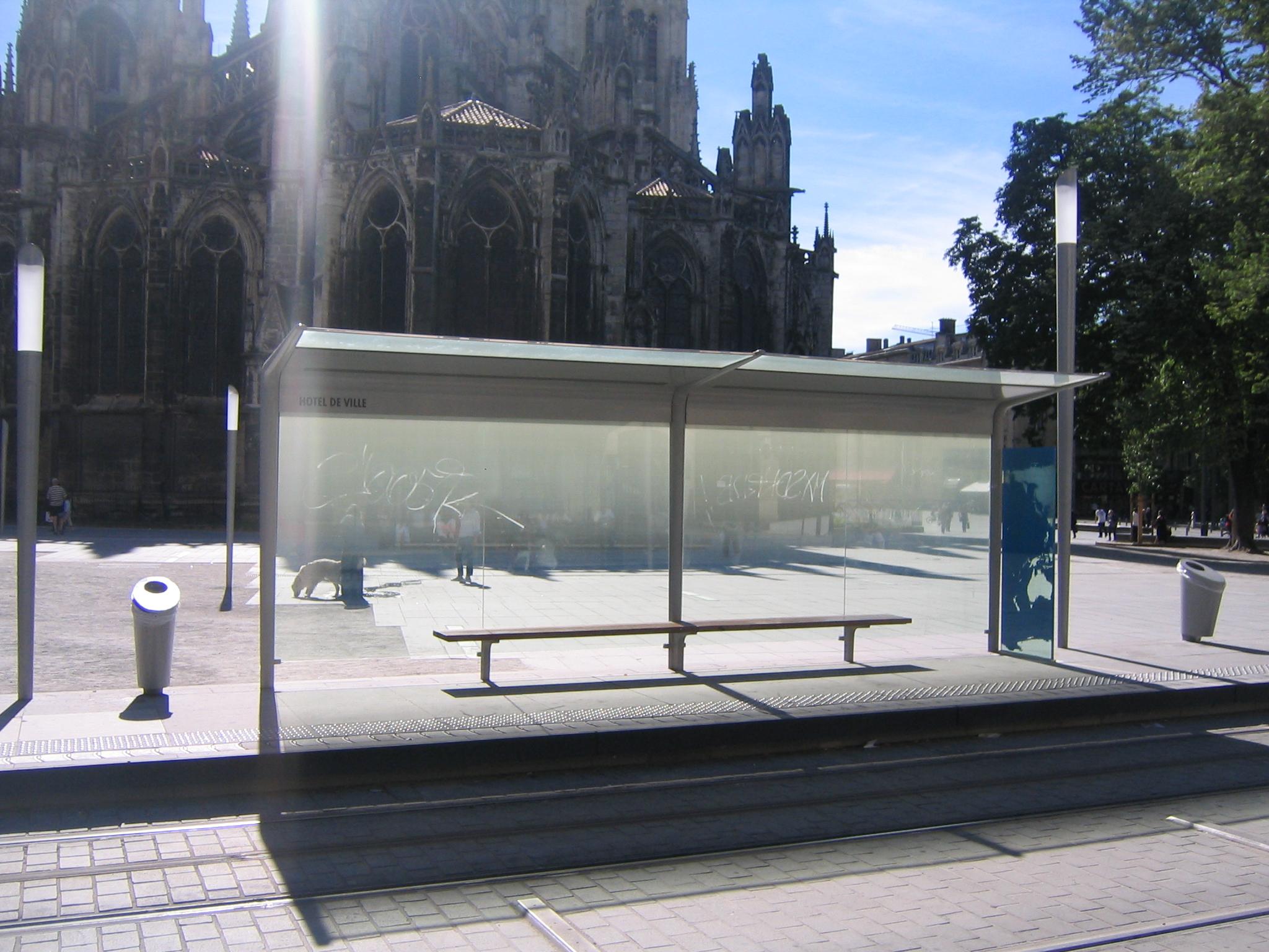File arret de tram bordeaux h tel de wikimedia for Hotel piscine bordeaux