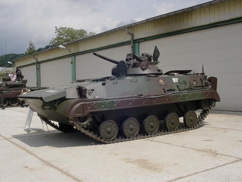 BVP M-80 SV.jpg