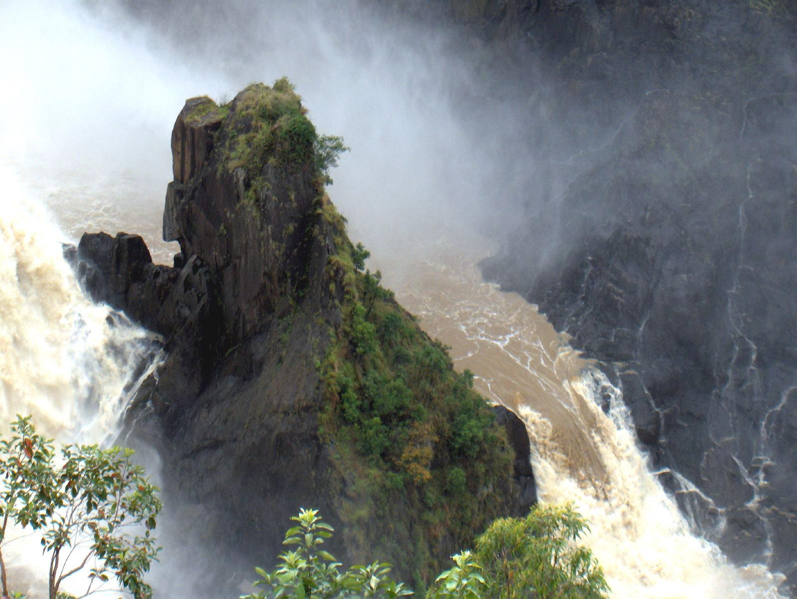 Vodopadi - Page 3 Barron_Falls_3_-_Cairns,_Queensland,_Australia