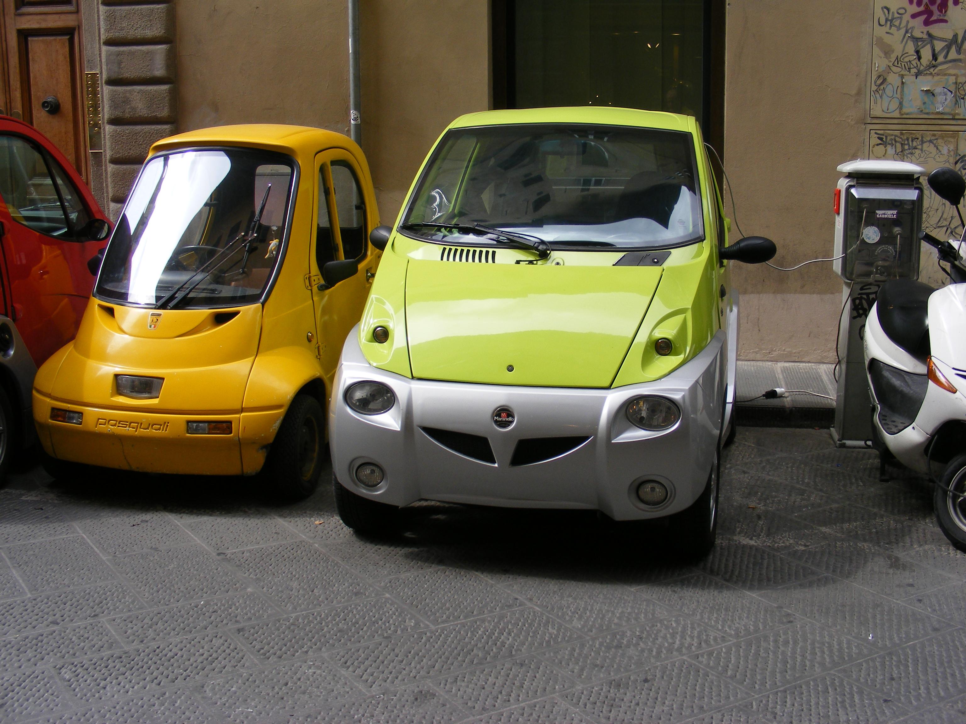 Description Battery-powered Microcars Pasquali and Maranello.jpg