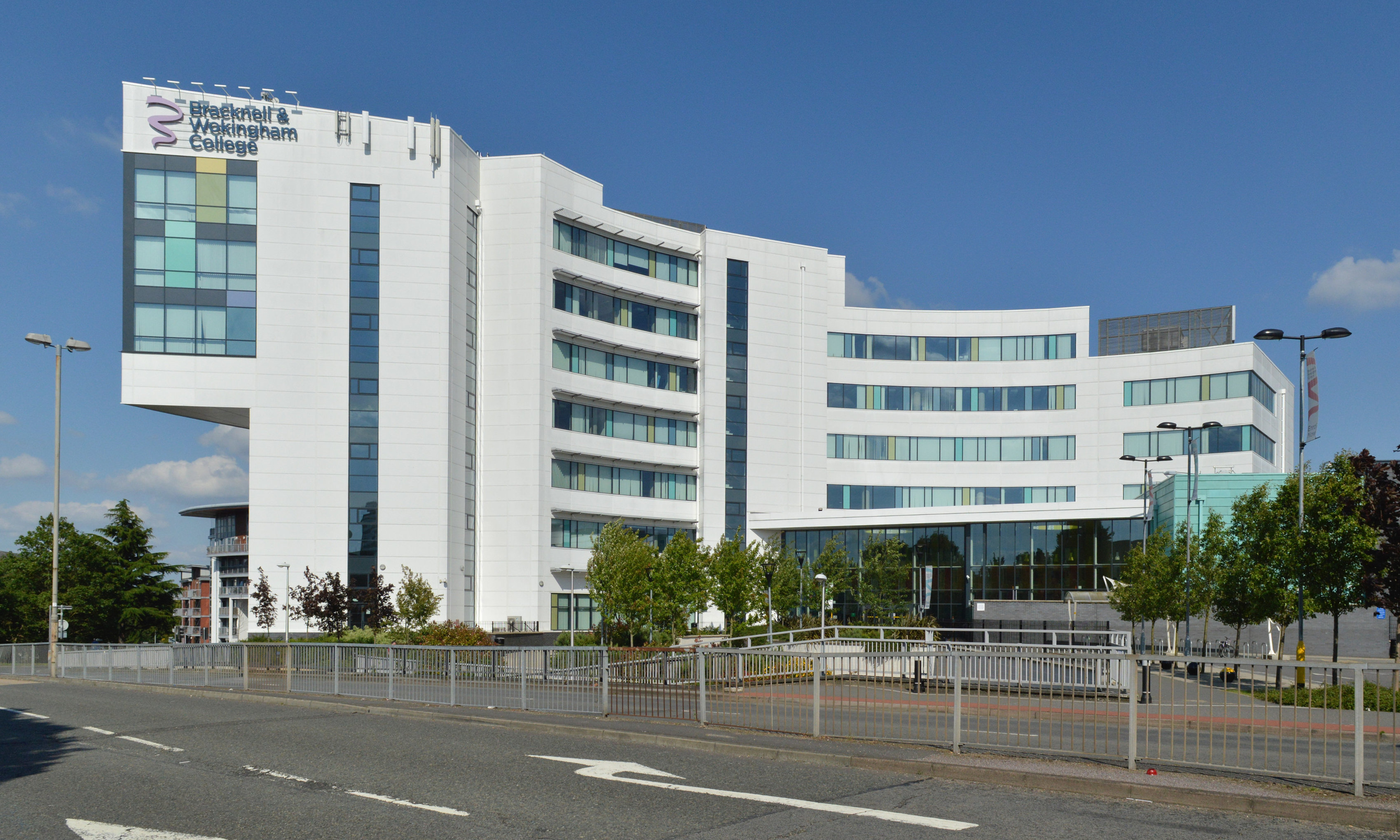Bracknell And Wokingham College Wikipedia
