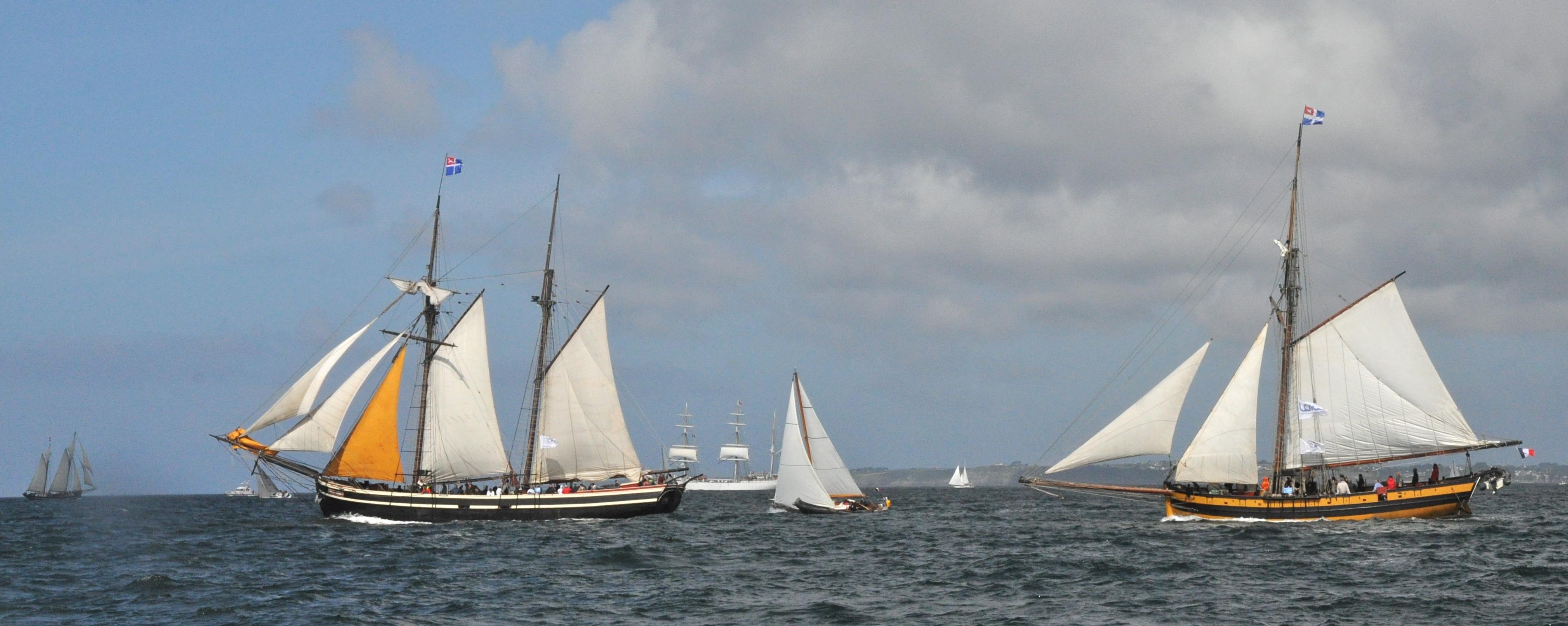 Brest 2012-Parade au ras de l'eau-15jl.JPG