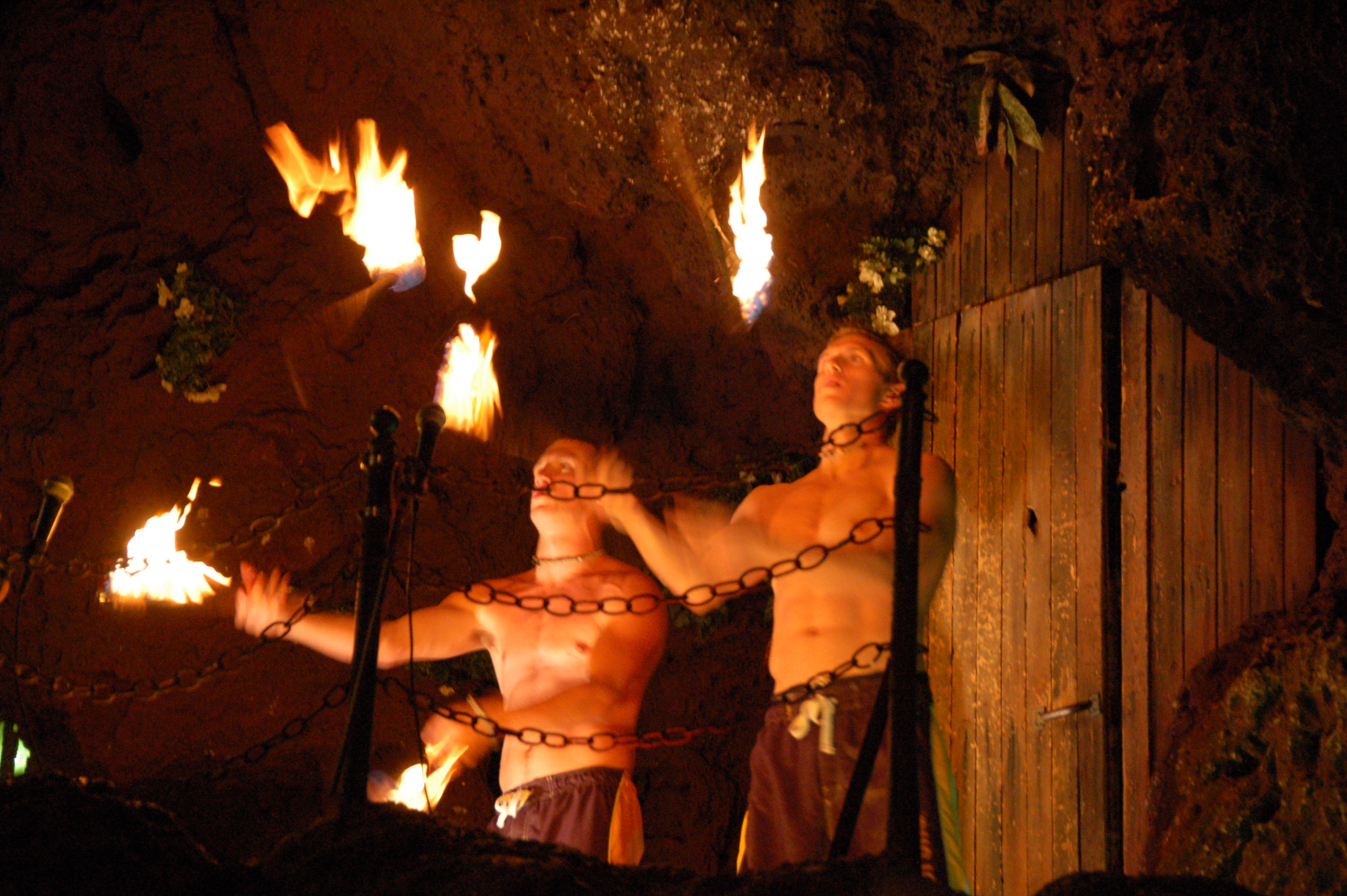 File:Casa Bonita torch juggling.jpg