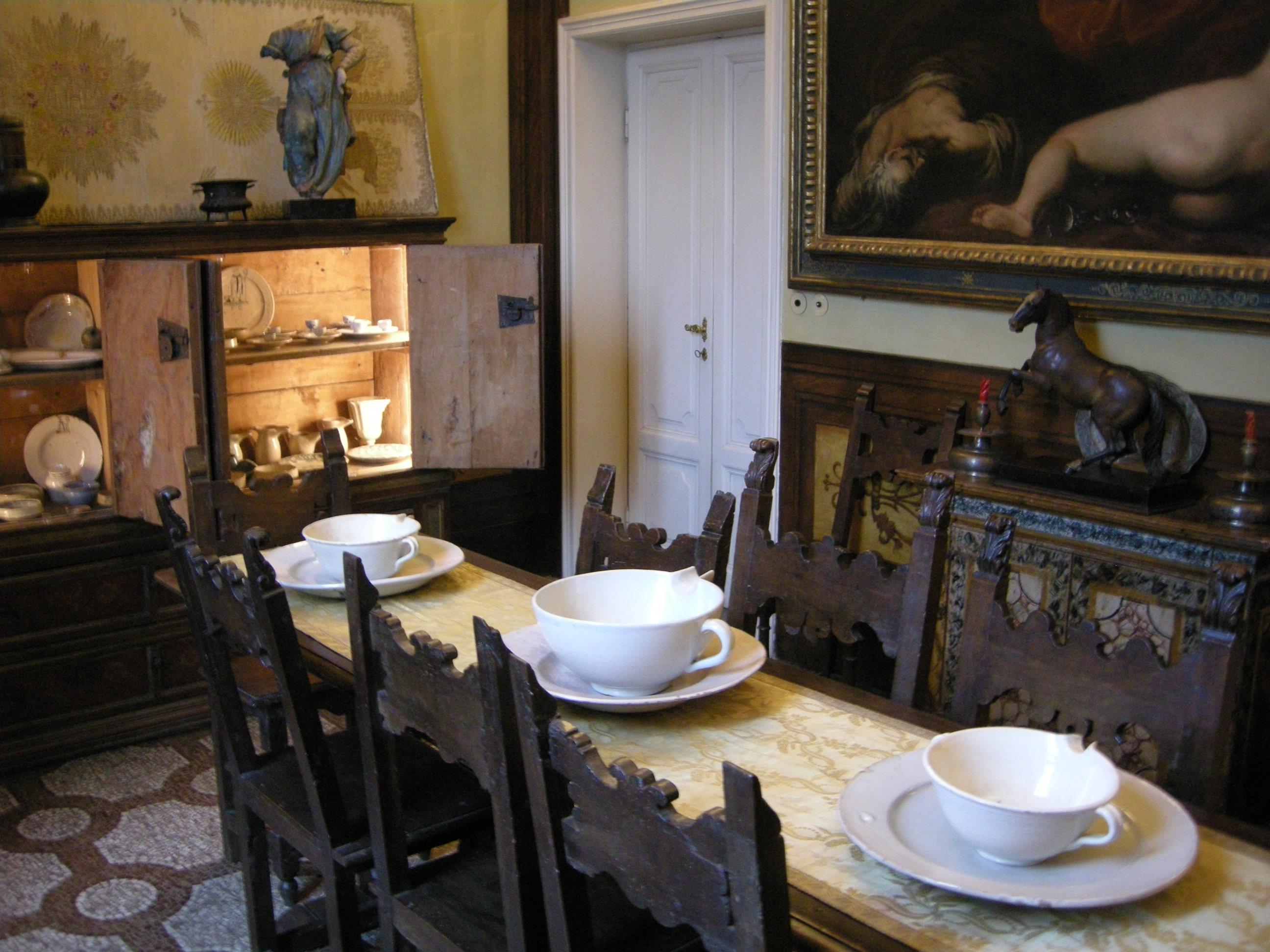 File casa siviero sala da pranzo 02 jpg wikimedia commons for Sala da pranzo versace