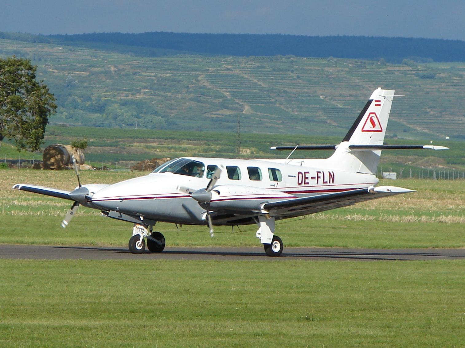 Cessna_T303_Crusader.jpg