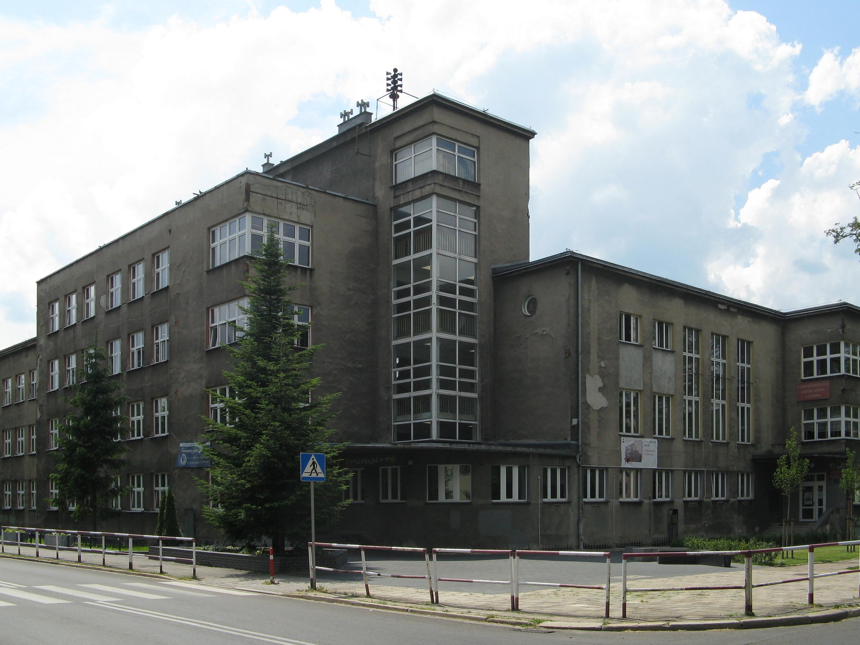 Iii Liceum Ogolnoksztalcace Im Stefana Batorego W Chorzowie