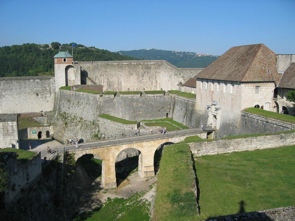 Description Citadelle - Besancon.jpg