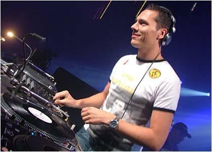 Tiesto se Une con los Video Juegos!! DJ_Tiësto