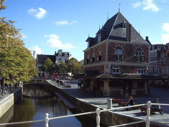 Leeuwarden, Canals, Waagplein