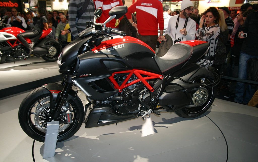 Ducati Streetfighter Headlight On Monster