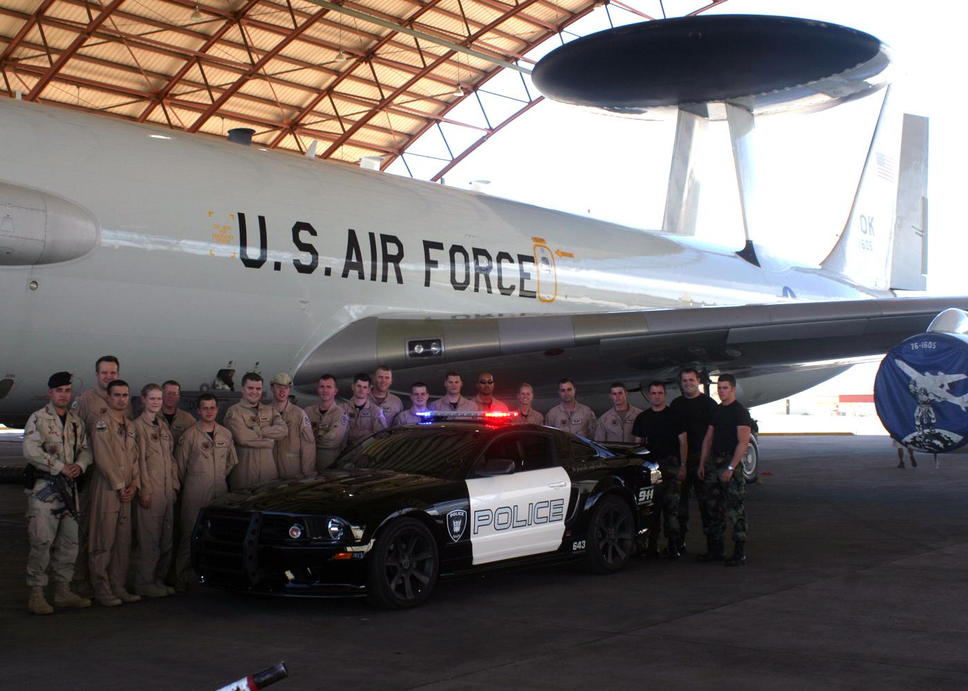 File:E-3 Sentry & Barricade at Edwards AFB 2006-09-08.jpg ...