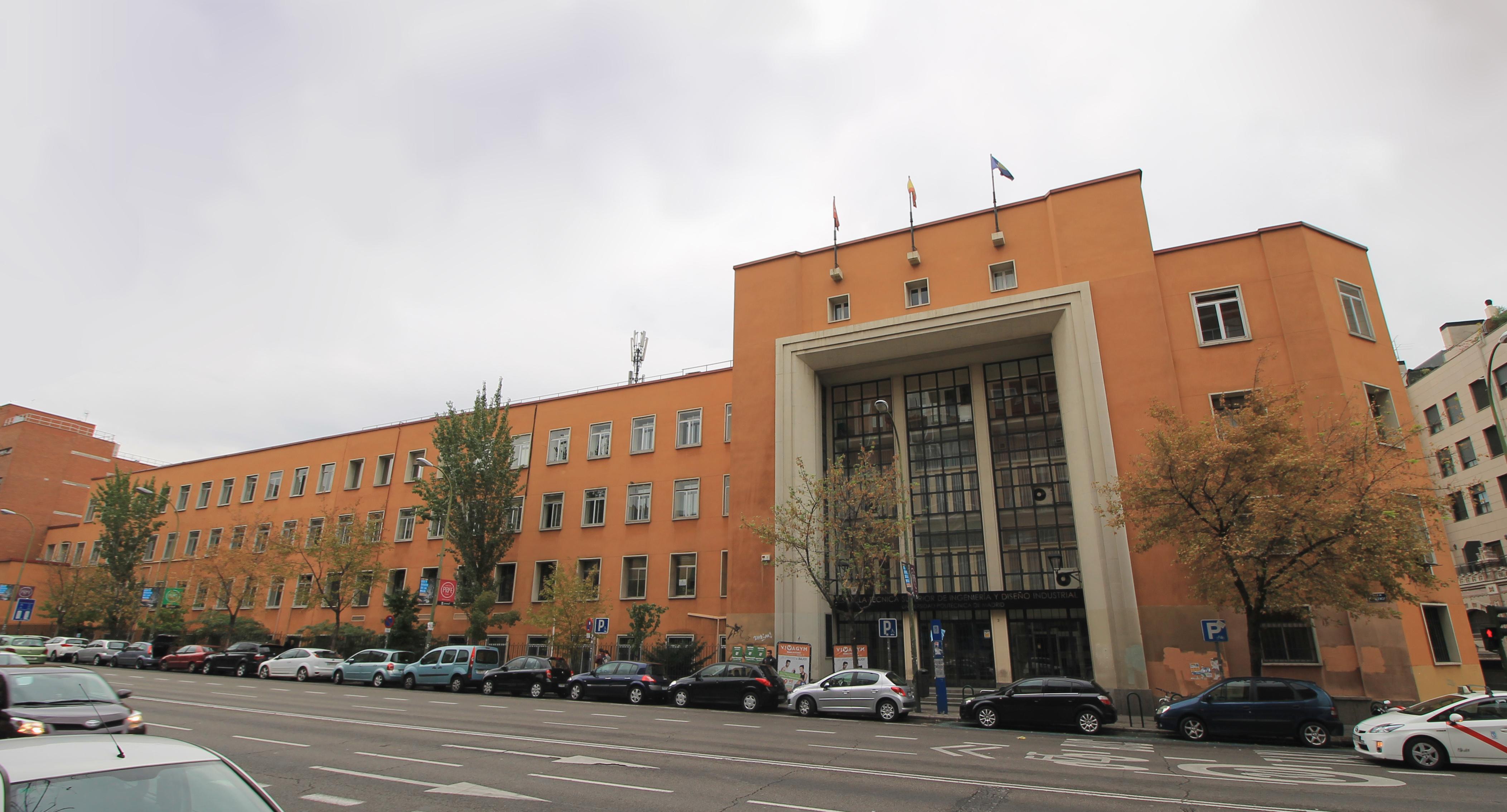 File E T S De Ingenier A Y Dise O Industrial Upm 02 Jpg  ~ Escuela Superior De Diseño De Valencia