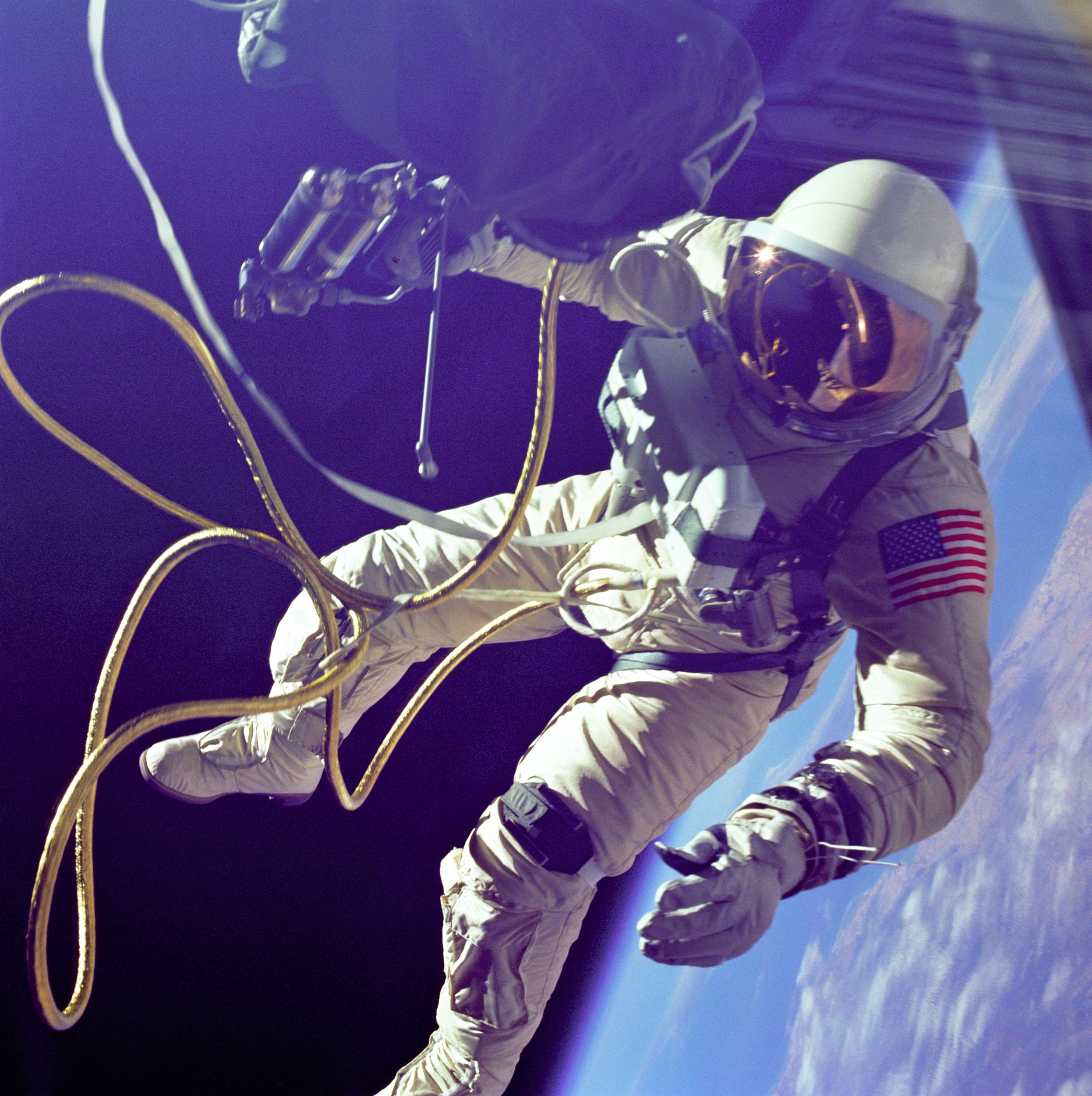 Ed_White_First_American_Spacewalker_-_GP