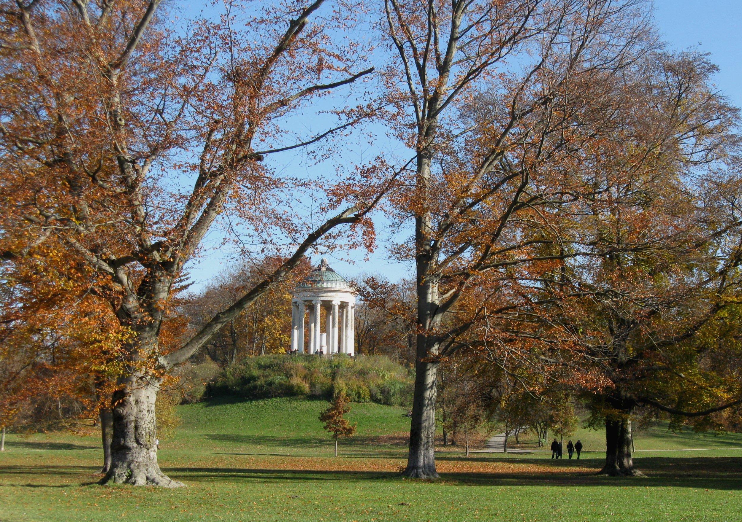 Fileenglischer Garten Monopteros Herbst 1jpg Wikimedia Commons