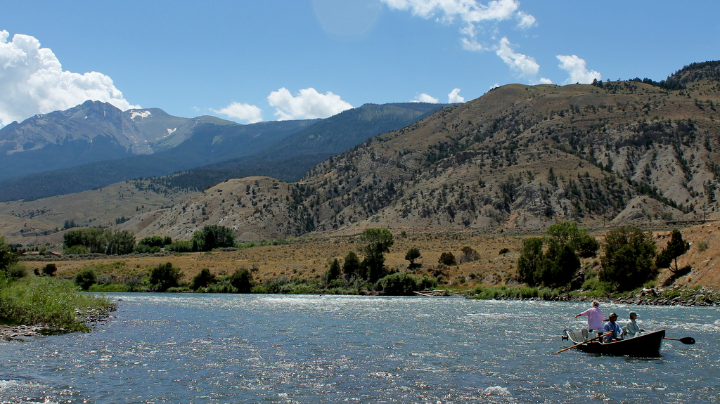 File fly fishing the yellowstone river with electric peak for Fly fishing yellowstone river
