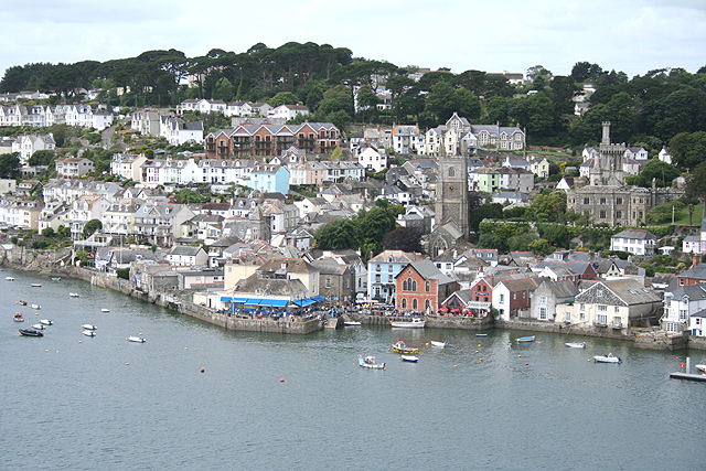 Fowey, from across the estuary - geograph.org.uk - 1361651