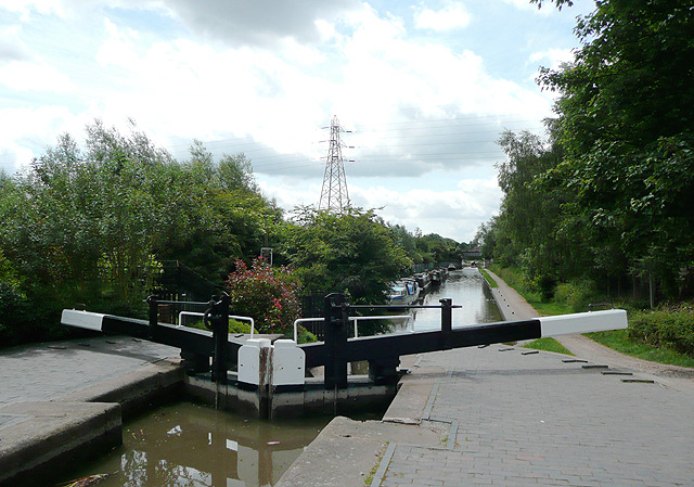 Glascote Bottom Lock at Tamworth, Staffordshire - geograph.org.uk - 1162329