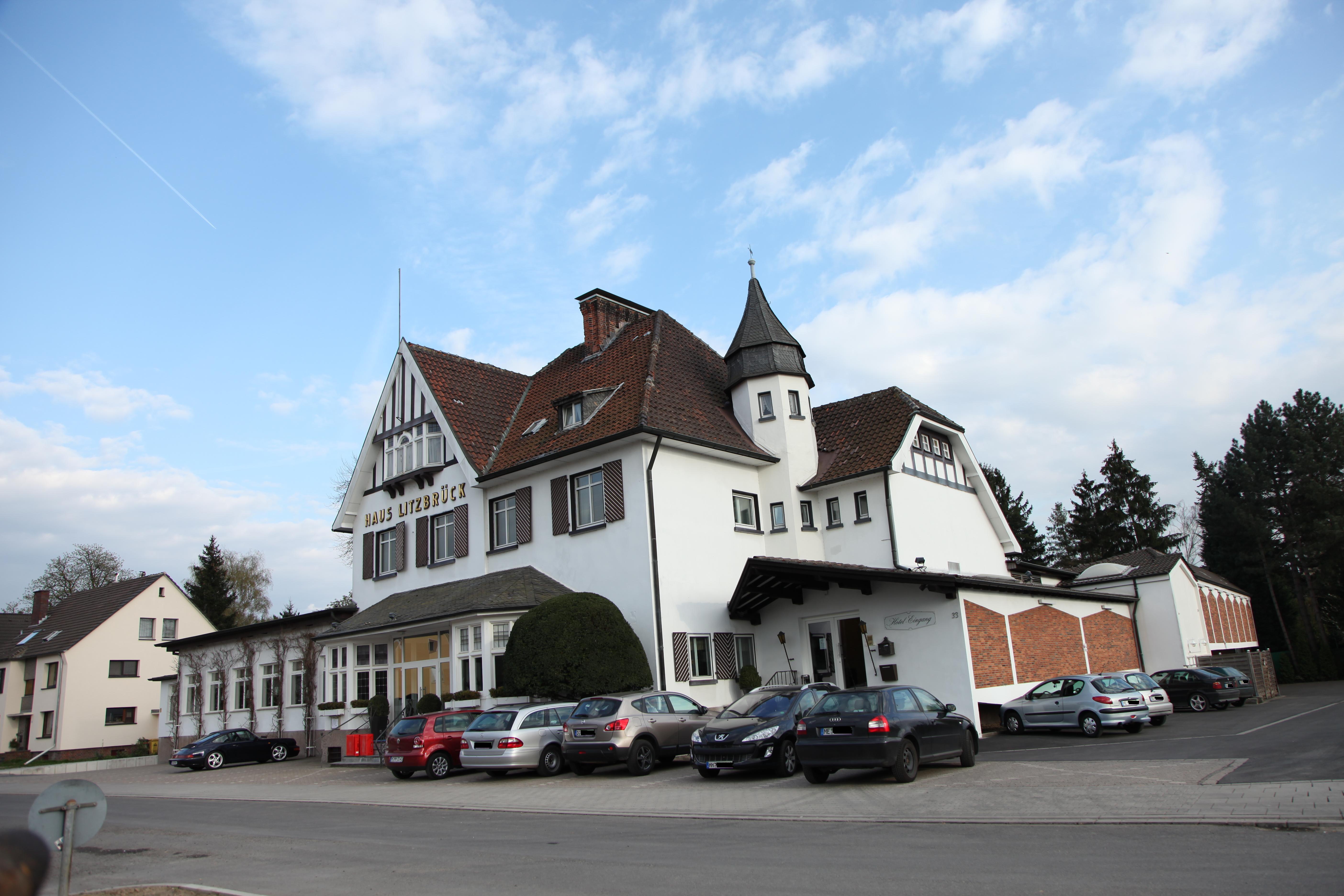 File:Haus Litzbrück 2010 außen.JPG - Wikimedia Commons