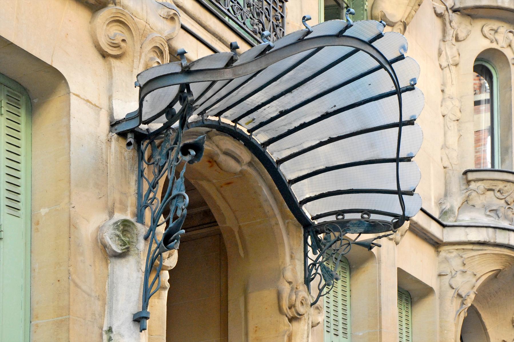 File immeuble les arums paris - Marquise en fer forge ...