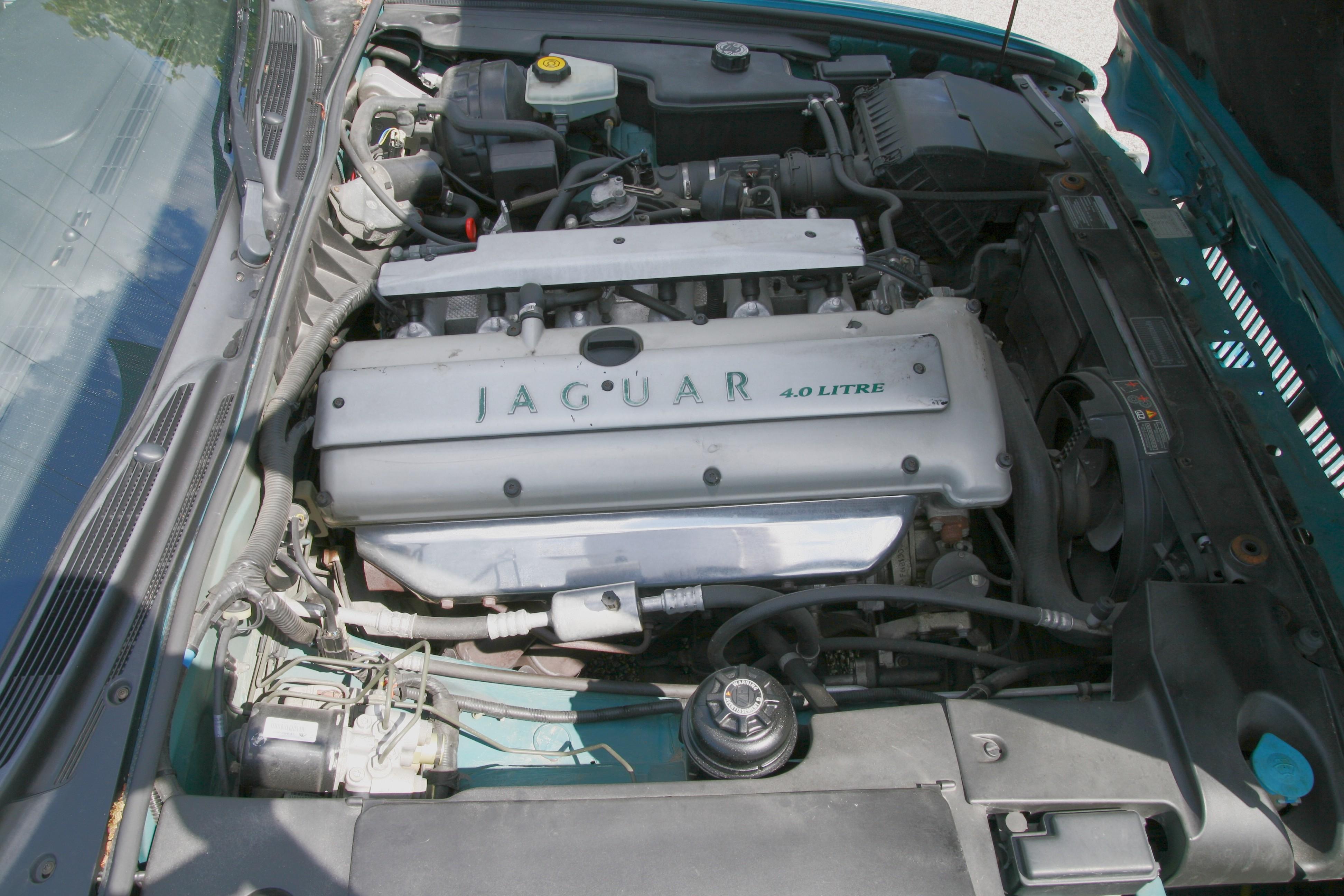 File Jaguar Aj16 4 0 Engine  1995 Xj  Right View Jpg