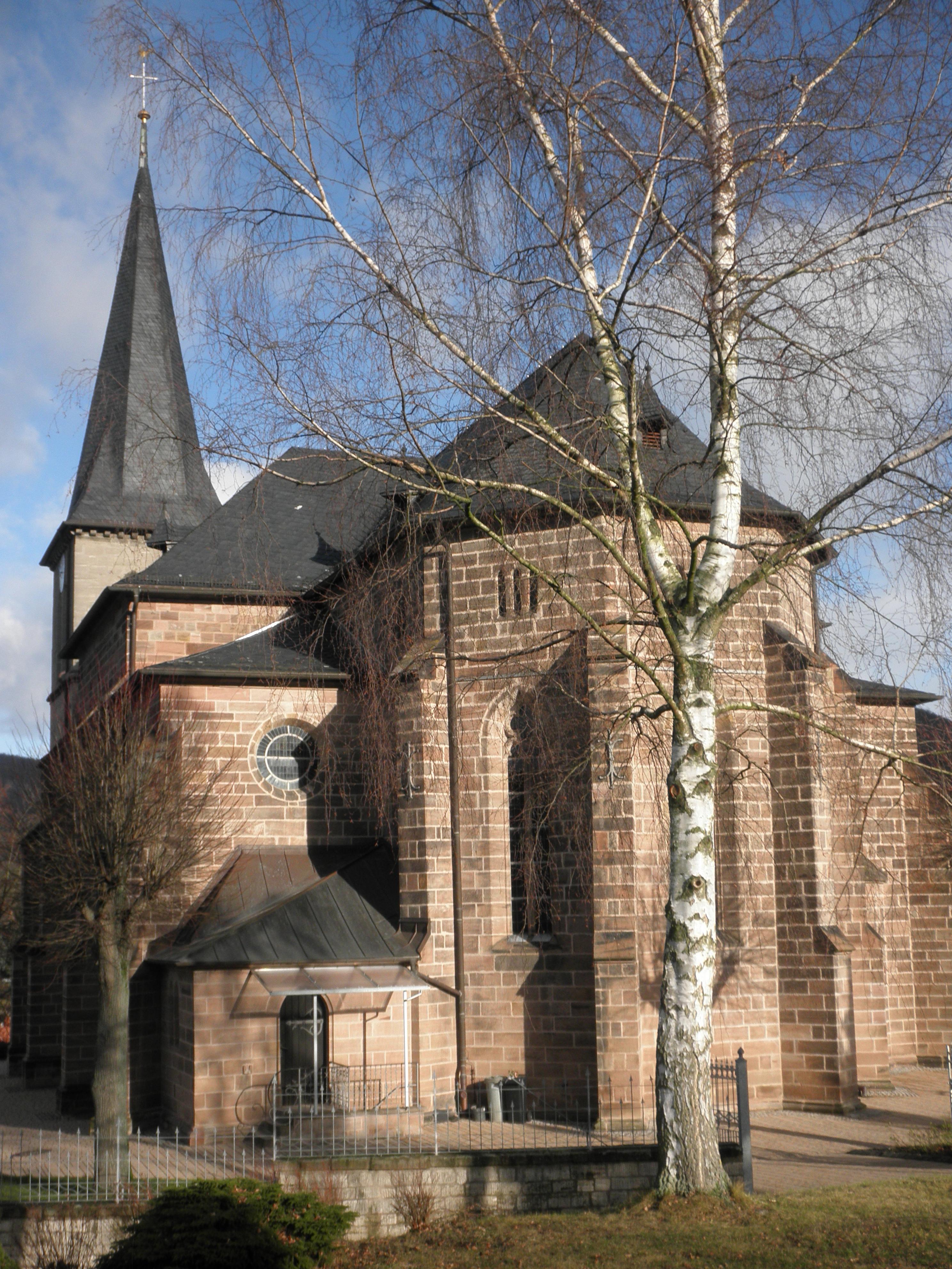 File:Kirche in Lengenfeld.JPG - Wikimedia Commons
