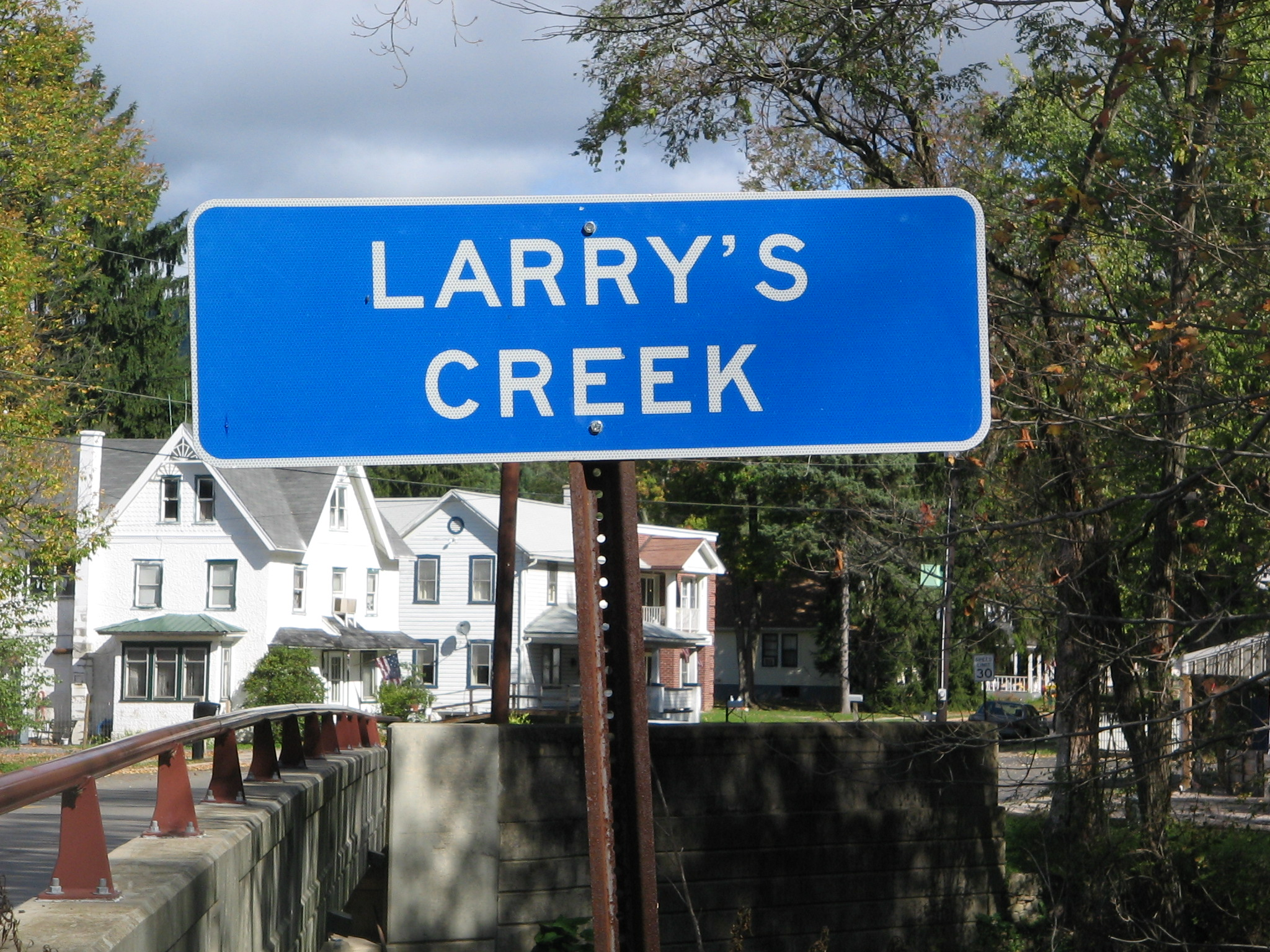 file larry s creek sign jpg wikimedia commons