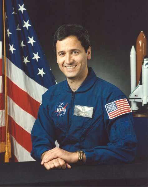 Astronaut Larry DeLucas, NASA photo (1996) Source: Wikipedia (www.jsc.nasa.gov page unavailable July 2019) Lawrence_DeLucas.jpg