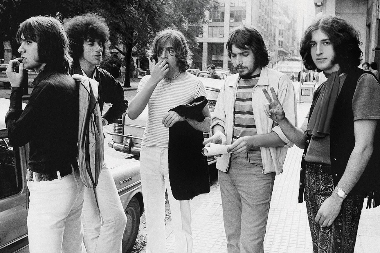Pappo (segundo desde la derecha) en la última formación de Los Gatos, ca. 1970.