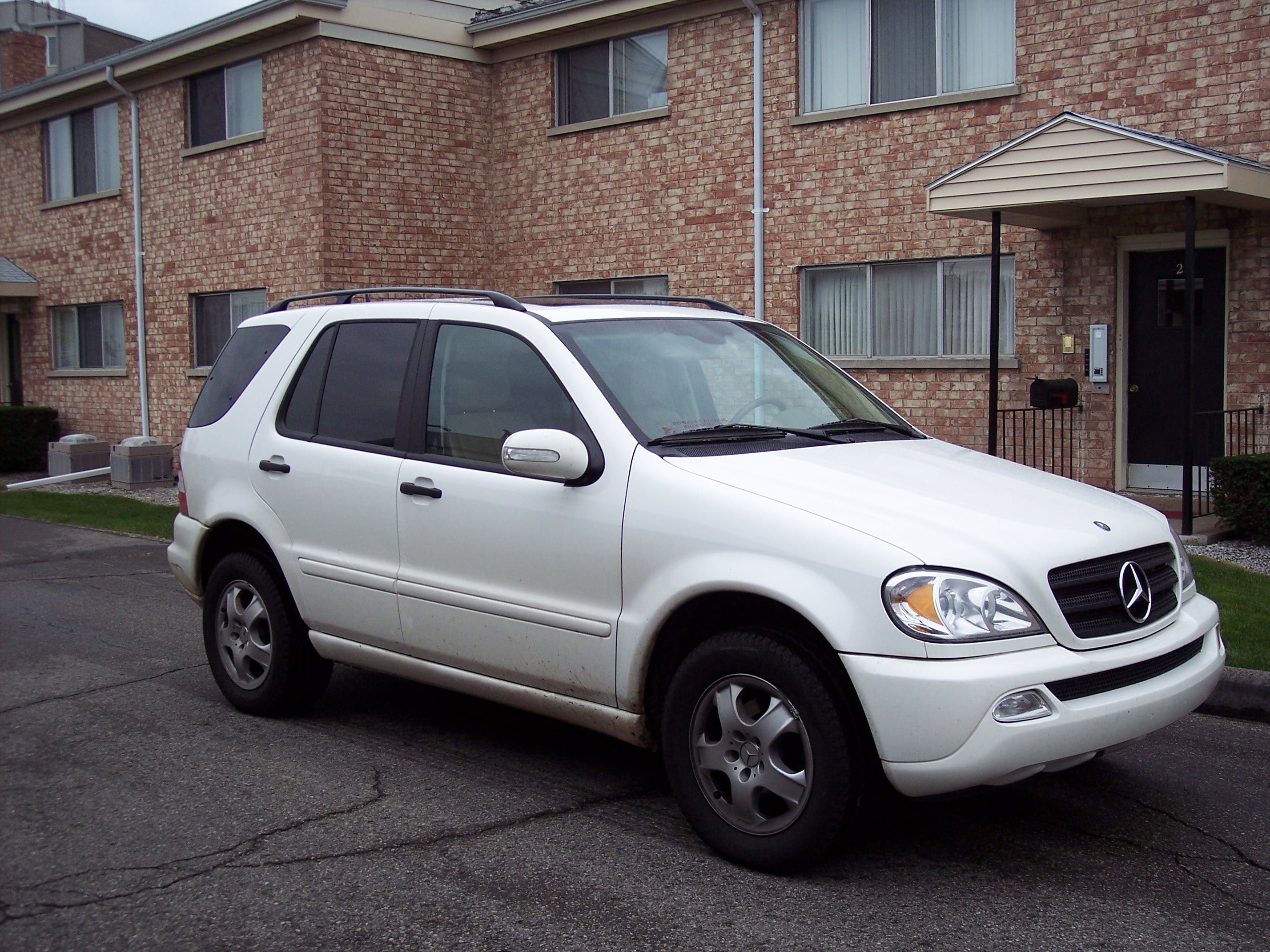 file mercedes benz ml350 wikimedia commons
