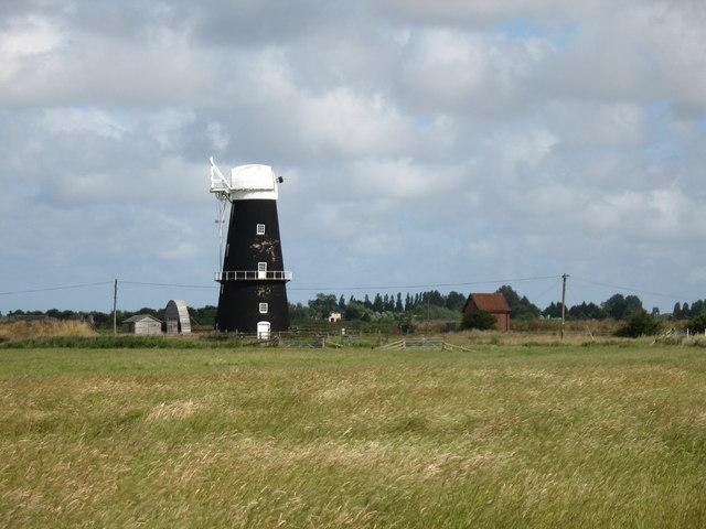 Mill on Breydon Water - geograph.org.uk - 1068506