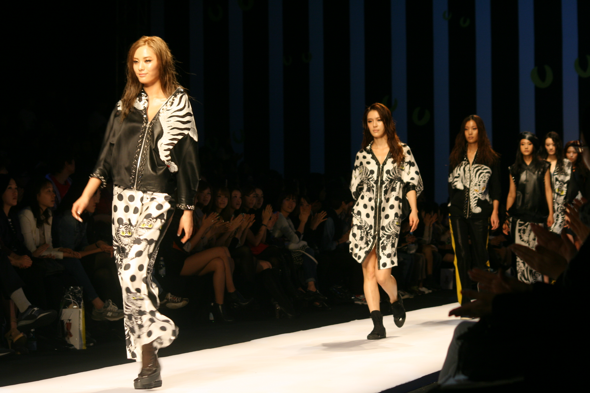 Where Are Paris Fashion Week Shows Held