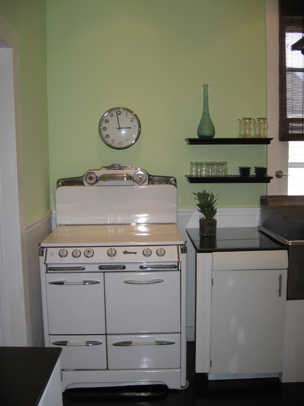 Description new orleans after kitchen vintage stove