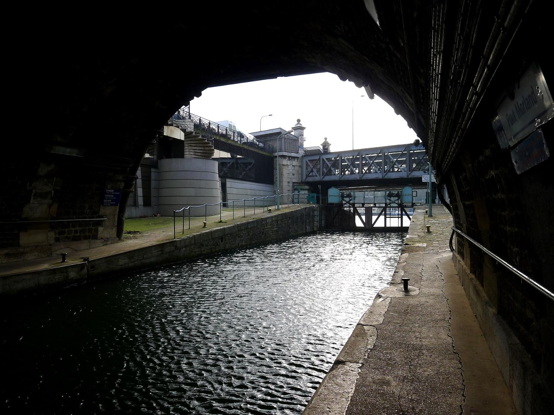 File p1010142 paris iv xii port de l 39 arsenal cluse vers - Port de l arsenal paris ...