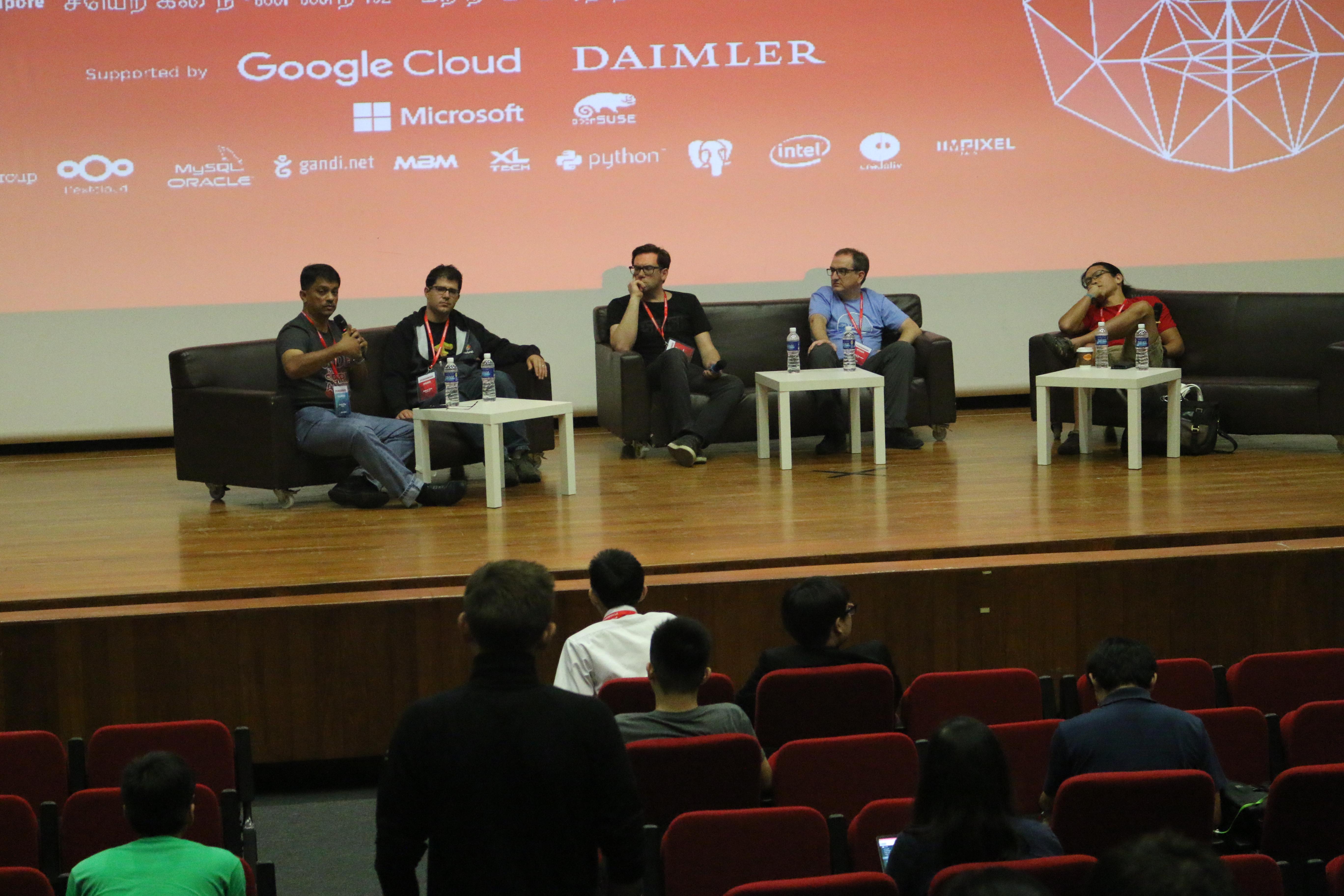 File:Panelis Foss Asia Tengah Tentang Artificial Intelligence dan Deep Learning 2.jpg