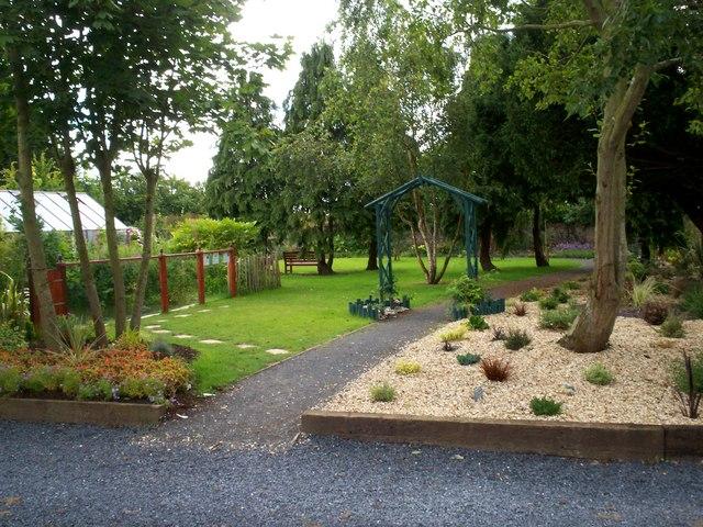 File Path Leading To The Secret Garden Eden Villa Park