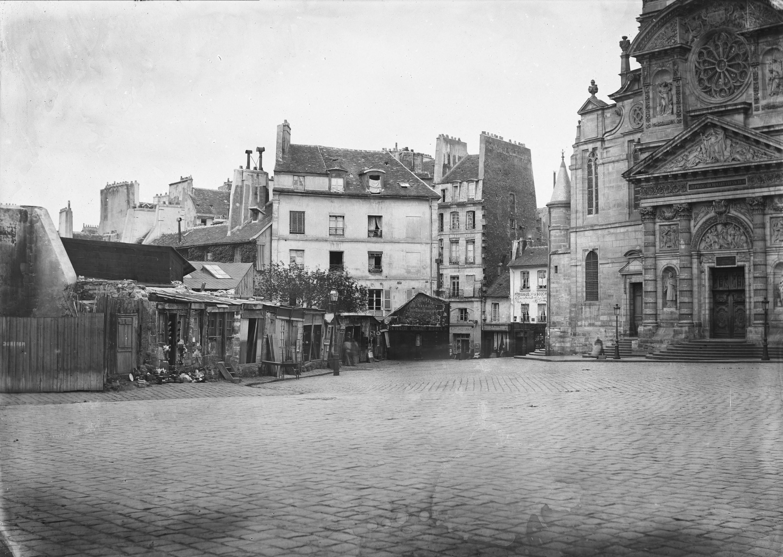 Fichier:Place Sainte-Geneviève.jpg
