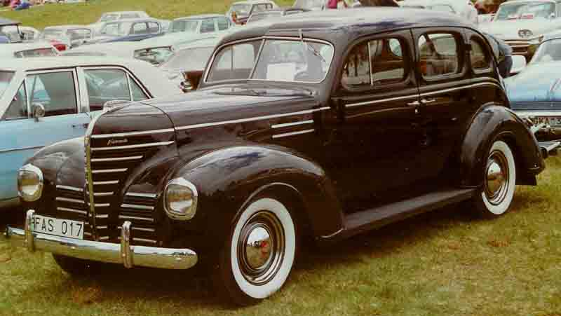 file plymouth de luxe 4 door sedan