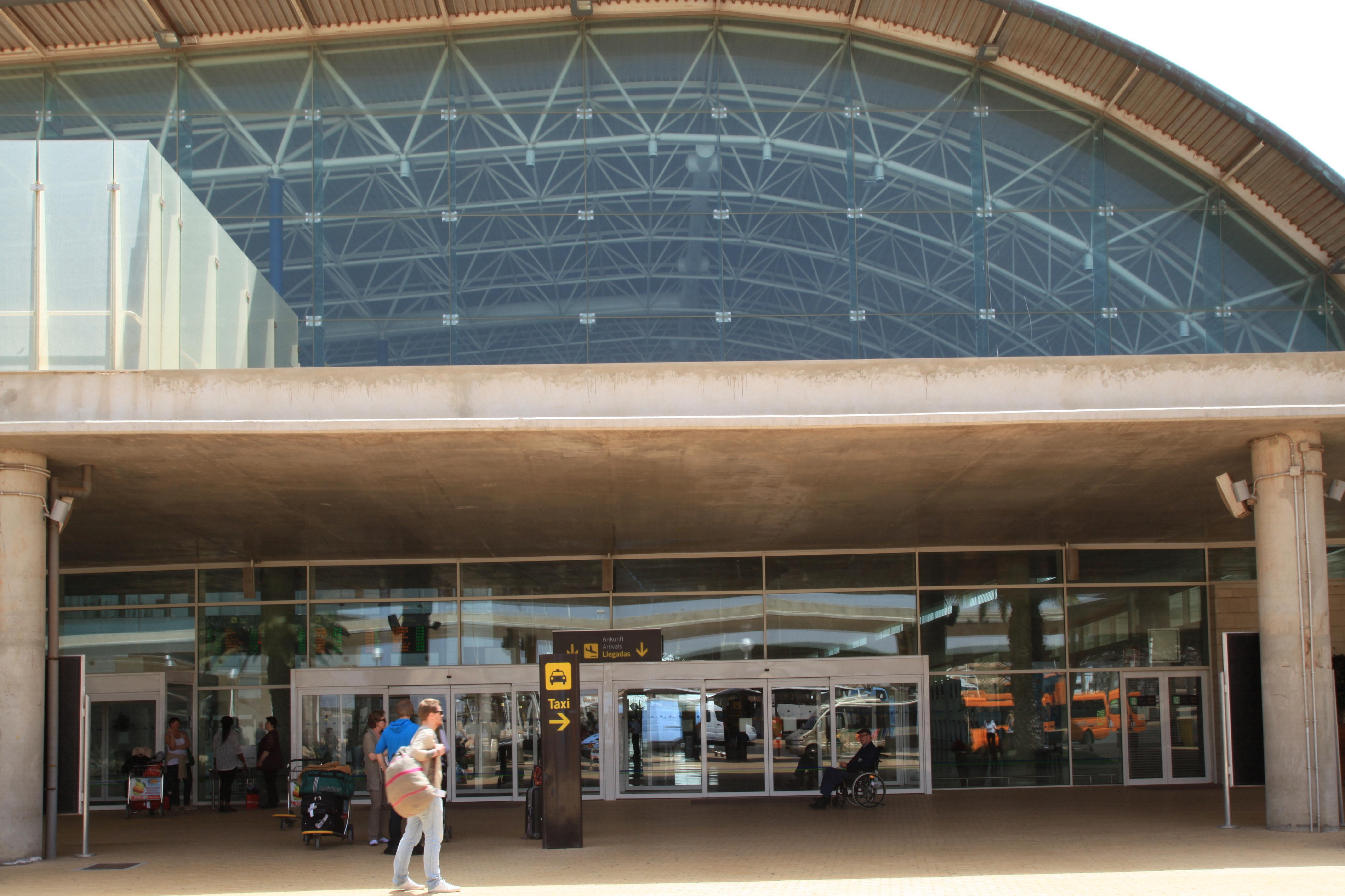 Fuerteventura airport wiki everipedia - Pension puerto del rosario ...